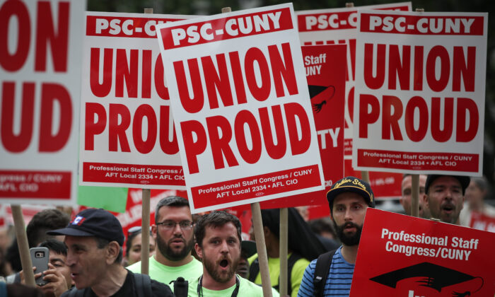 Union activists and supporters rally against the Supreme Court's ruling in the Janus v. AFSCME case, in Foley Square in New York City on June 27, 2018. (Drew Angerer/Getty Images)