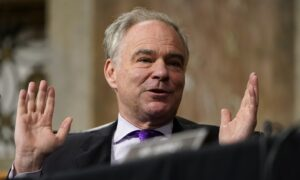 Kaine Floats 'Alternative' to Trump Impeachment Trial, but Schumer Holds Firm