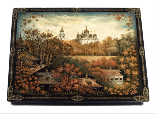 Autumn scene lacquer box