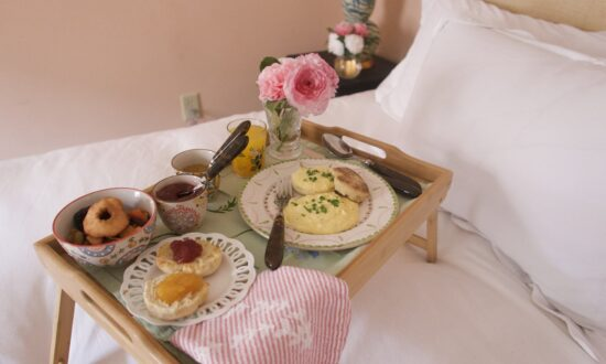 The Simple Luxury of Brunch in Bed