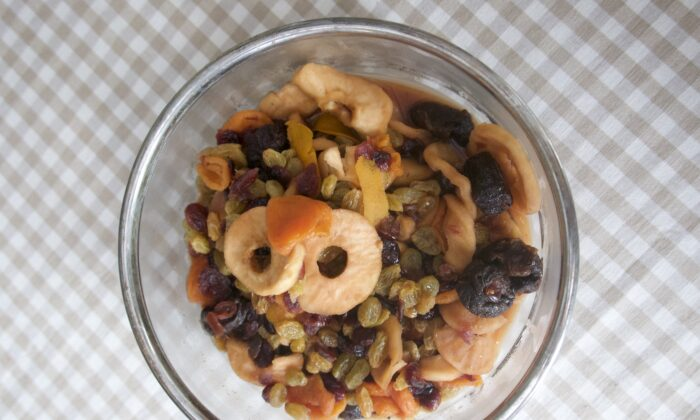 Use any combination of dried fruit you have on hand for this easy, old-fashioned breakfast staple. (Victoria de la Maza)