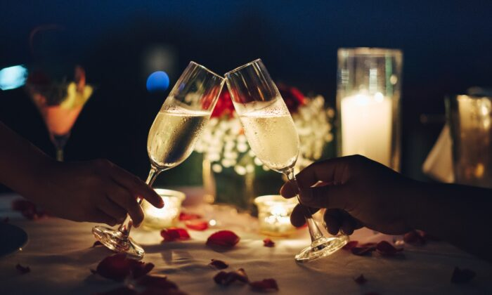 Although there are many excellent options for a Valentine's wine, there is one slam dunk. And that would be bubbly. (9MOT/Shutterstock)