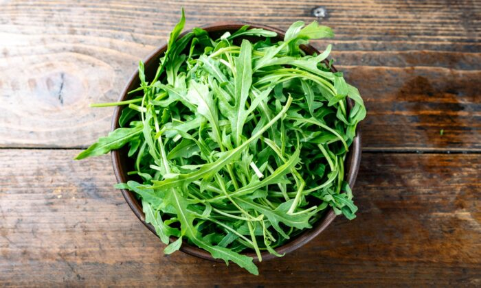 Too much arugula can be overpowering; instead, try thinking of it as a leafy condiment. (Shyripa Alexandr/Shutterstock)