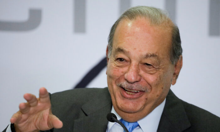 Mexican billionaire Carlos Slim gestures as he speaks during a news conference in Mexico City, Mexico on Oct. 16, 2019. (Luis Cortes/ REUTERS)
