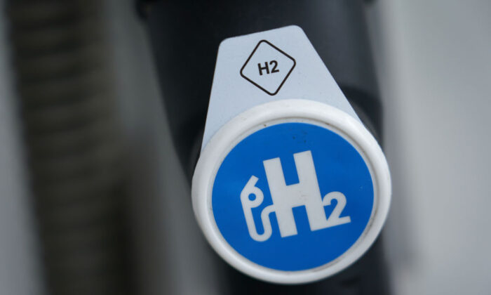 Hydrogen pumping station for hydrogen-powered cars. (Sean Gallup/Getty Images)