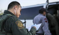 DHS to Hold Mass COVID-19 Vaccination Clinic for Border Patrol Agents in Texas: Gov. Abbott