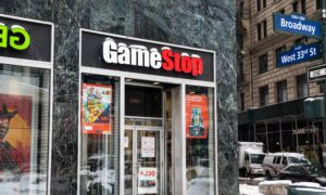 Robinhood Blocked GameStop Buys After Clearinghouse Threatened $2.2 Billion Charge, CEO Says