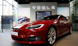 China in Focus (April 23): Tesla Releases Crash Data, Responds to Regulators