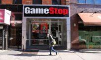 Small GameStop Investors Aren't Giving Up as Price Slips Below $100
