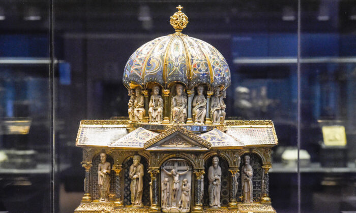 The cupola reliquary, part of the Guelph Treasure, at the Museum of Decorative Arts in Berlin on Feb. 24, 2015. (TOBIAS SCHWARZ/AFP via Getty Images)