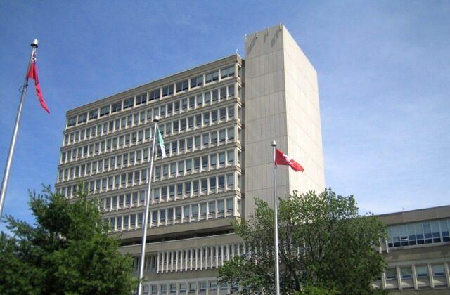 The R.D. Parker Building at Laurentian University in Sudbury, Ontario. (Vanderbilt8/CC BY-SA 3.0)