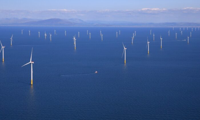 General view of the Walney Extension offshore wind farm operated by Orsted off the coast of Blackpool, Britain, on Sept. 5, 2018. (Phil Noble/File Photo/Reuters)
