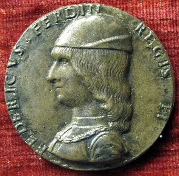 _king Federico of Naples on medal