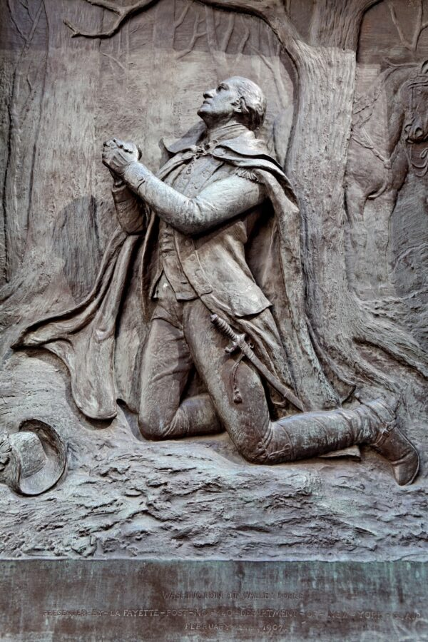 elief of George Washington praying_