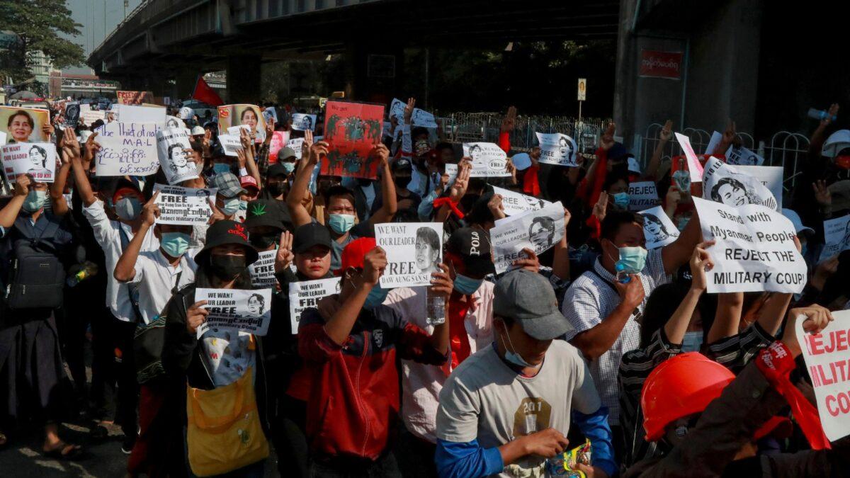 Demonstrators in Burma