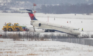 Plane Slides Off Taxiway at Pittsburgh Airport; No Injuries