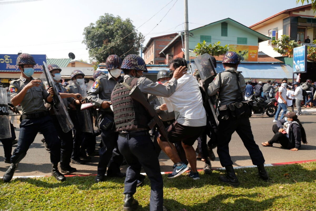 police-protest-burma