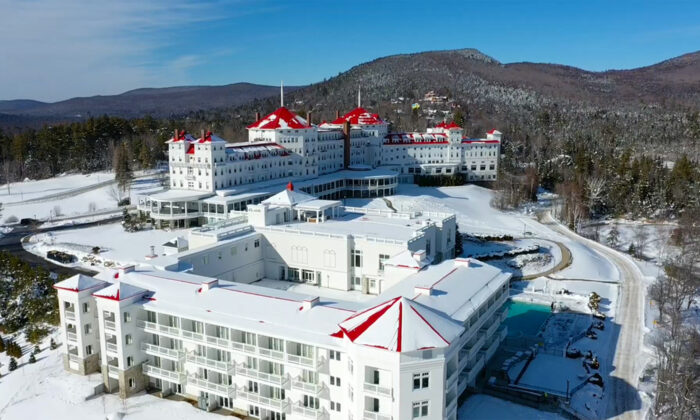 The historic Omni Mount Washington Resort, the only grand hotel in the area that still operates. (Courtesy of Omni Mount Washington Resort)