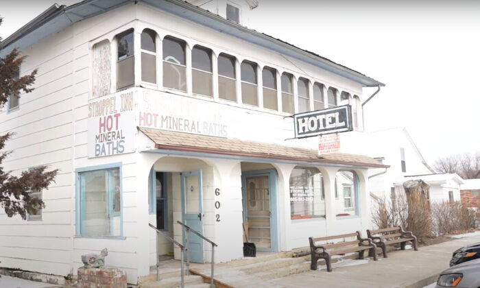 The outside of Stroppel Hotel and Mineral Baths located in Midland, South Dakota on Feb. 10, 2020. (Screenshot/NTD)