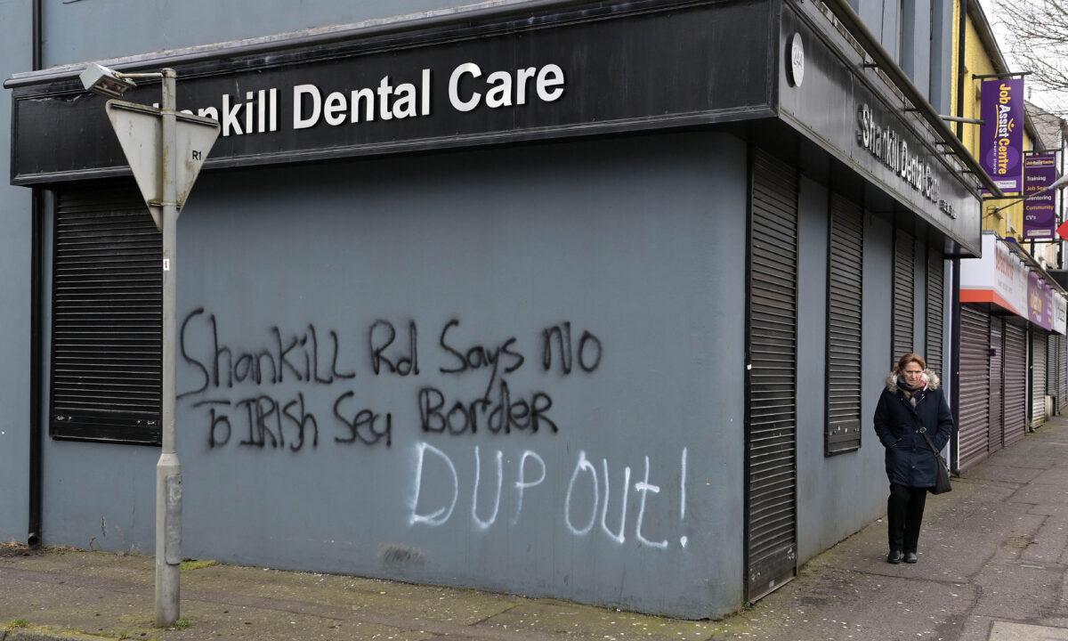 Brexit_loyalist graffiti