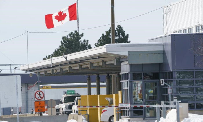 The Canadian border crossing is seen during the COVID-19 pandemic in Lacolle, Que. on February 12, 2021. (Paul Chiasson/The Canadian Press)