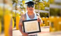 'If I Can Do It, Anyone Can': Former Inmate Graduates With Honors From Cal State Long Beach