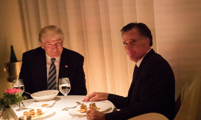 President-elect Donald Trump and Mitt Romney dine at Jean Georges restaurant in New York City on Nov. 29, 2016. (Drew Angerer/Getty Images)