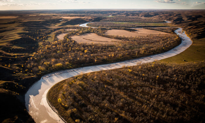 The White River weaves through the landscape near where the proposed Keystone XL pipeline would pass, south of Presho, S.D., on Oct. 13, 2014. (Andrew Burton/Getty Images)