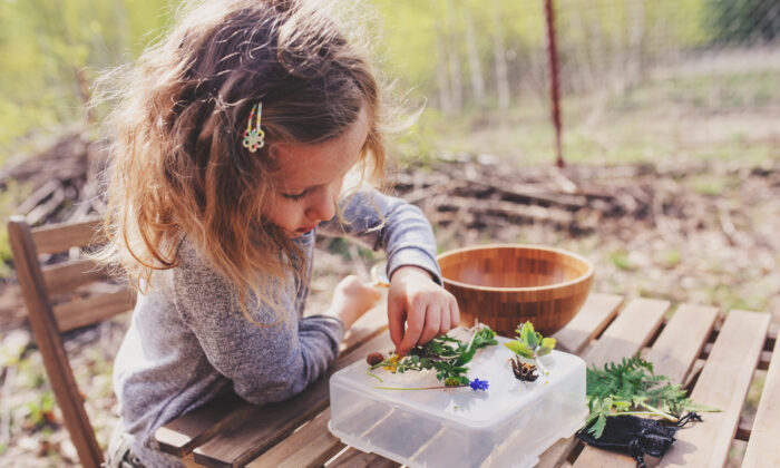 To start, spend time on engaging activities, whether that's reading aloud, crafting, playing outdoors—whatever it is your children enjoy doing when they're not in school. (Maria Evseyeva/Shutterstock)