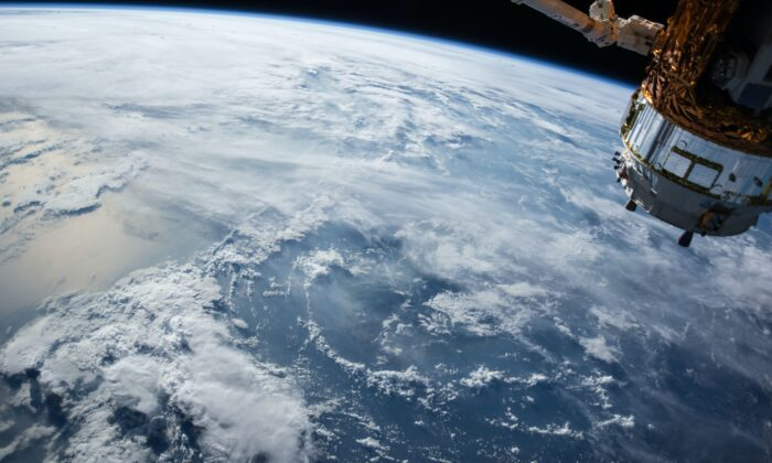 UK-Australia space bridge brings investment to Australia. (NASA/Unsplash)