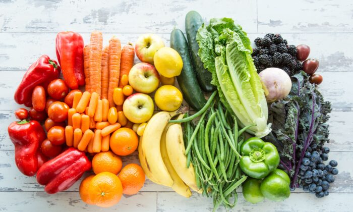 Different colors represent a rich variety of nutrients and phytochemicals that give plants abilities like virus and pest protection—elements that can benefit people as well. (Denise I Johnson/Shutterstock)