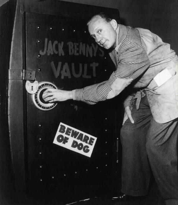 Jack_Benny_and_vault