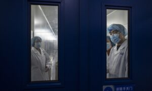 Chinese Died Under Extreme COVID-19 Lockdown Measures Without Infection