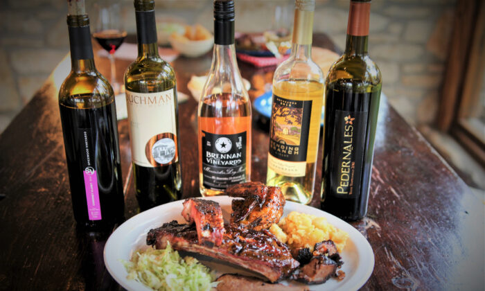 Texas wines pair deliciously with barbecue at the Salt Lick BBQ in Driftwood. (Courtesy of Texas Fine Wine)