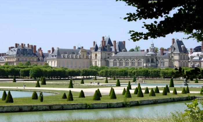 Château de Fontainebleau and its Grand Parterre. (Jérôme Schwab)