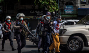 Canada's Foreign Affairs Minister Condemns Burma Police for Violence Against Protesters