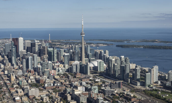 Aerial view of the Toronto skyline looking south east in Toronto, Canada, on Sept. 18, 2014. (Larry Koester/flickr)