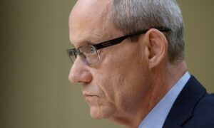 Ex Ombudsman Says He Told Defence Minister About Vance Allegations in 2018