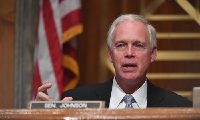 Sen. Ron Johnson (R-Wis.) at a Senate hearing in Washington on Aug. 6, 2020. (Toni Sandys-Pool/Getty Images)
