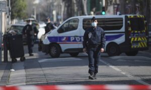 France: Man Wielding Knife Arrested Outside Jewish School