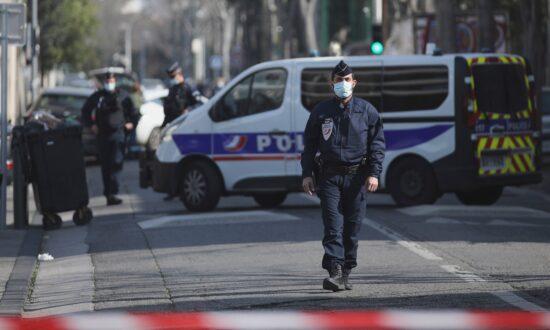 France: Man Wielding Knife Arrested Outside Jewish School