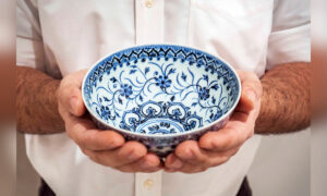 Yard Sale Shopper Pays $35 for China Bowl That Turns Out to Be Artifact Worth up to $500,000