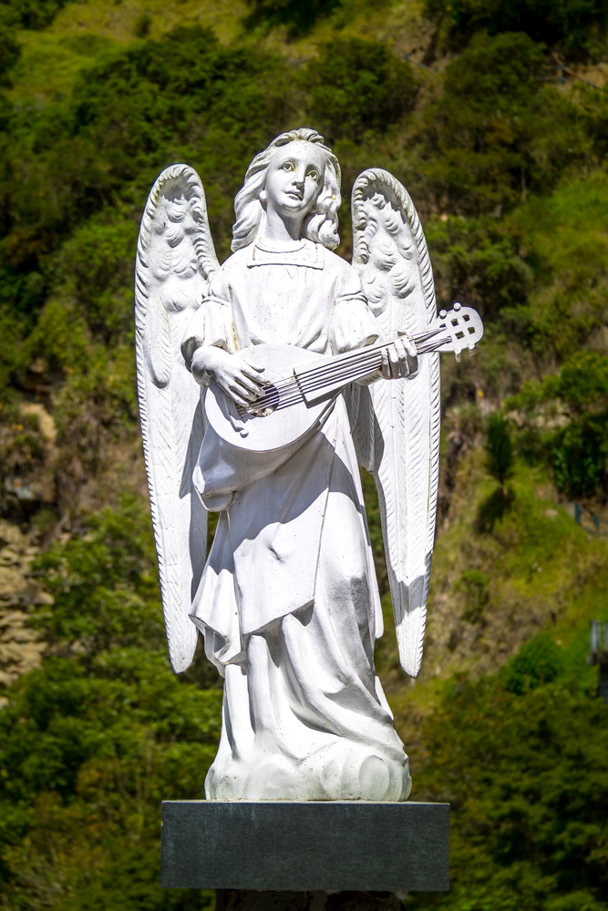 Statue,Of,An,Angel,Playing,A,Musical,Instrument,-,Lutes
