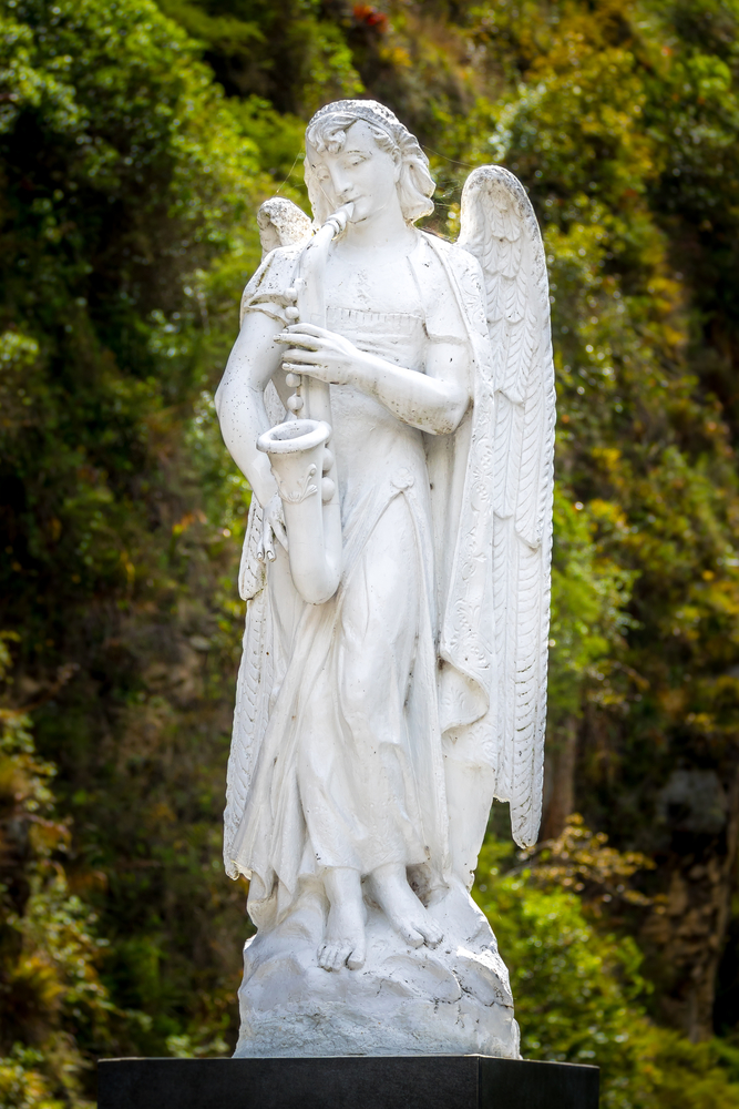 Statue,Of,An,Angel,Playing,A,Musical,Instrument,-,Saxophone