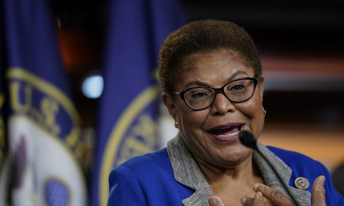 """Rep. Karen Bass (D-Calif.), co-sponsor of the """"George Floyd Justice in Policing Act,"""" on Capitol Hill in Washington on July 22, 2020. (Drew Angerer/Getty Images)"""