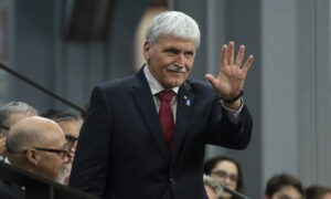 Dallaire Says 'Self Interest' Is Obstructing Canadian Cabinet's Response to Uyghur Genocide in China