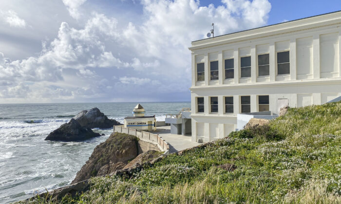 A view of the Cliff House and ocean in San Francisco on March 10, 2021. (Ilene Eng/The Epoch Times)