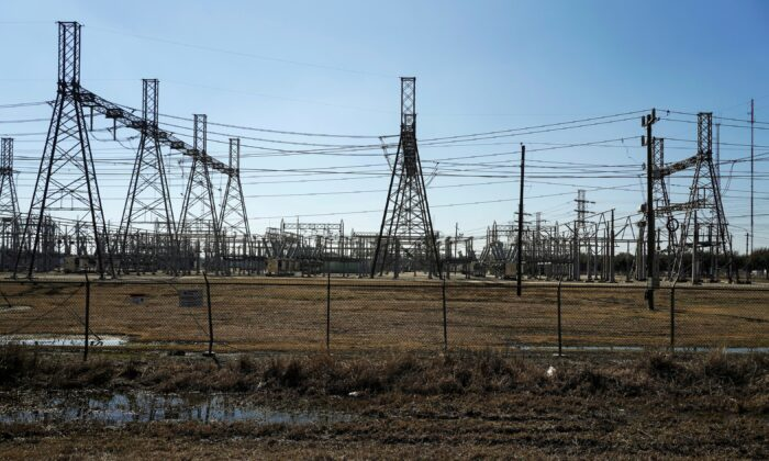 An electrical substation is seen after winter weather caused electricity blackouts in Houston, Texas, U.S. Feb. 20, 2021.  (REUTERS/Go Nakamura/File Photo)