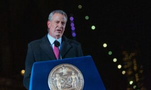 De Blasio: Cuomo 'In the Way' of Saving Lives by Defying Calls to Resign