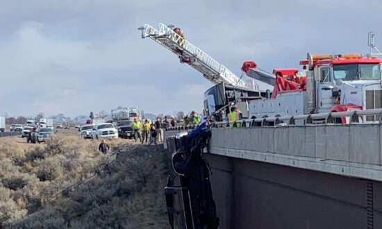 Rescuers Save 2 From Pickup Dangling Over Deep Idaho Gorge